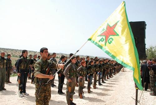 prise d'armes YPG