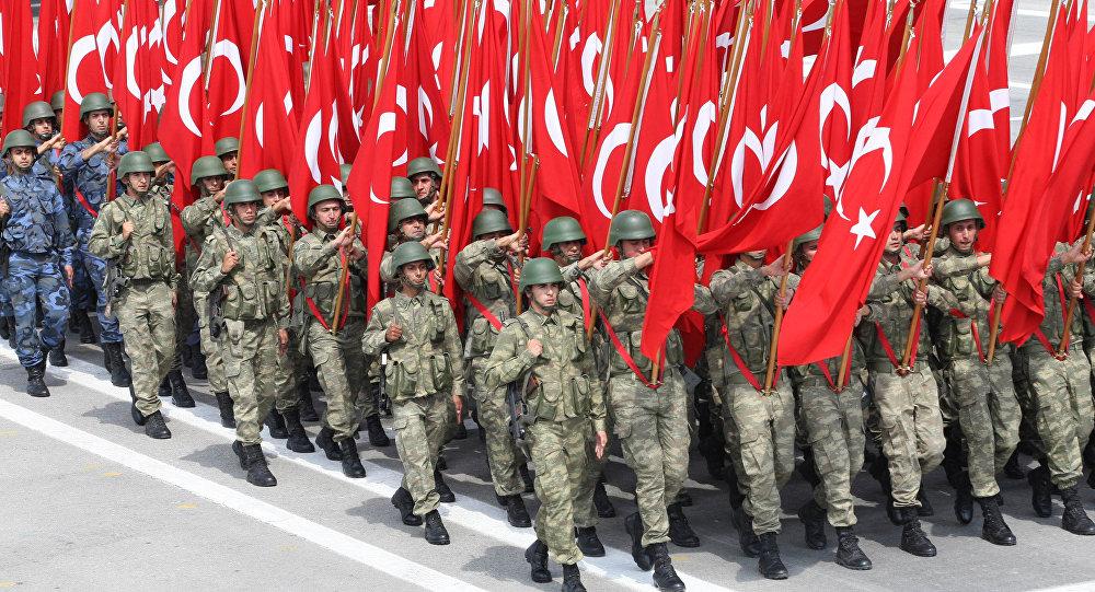 troupes turques paradant