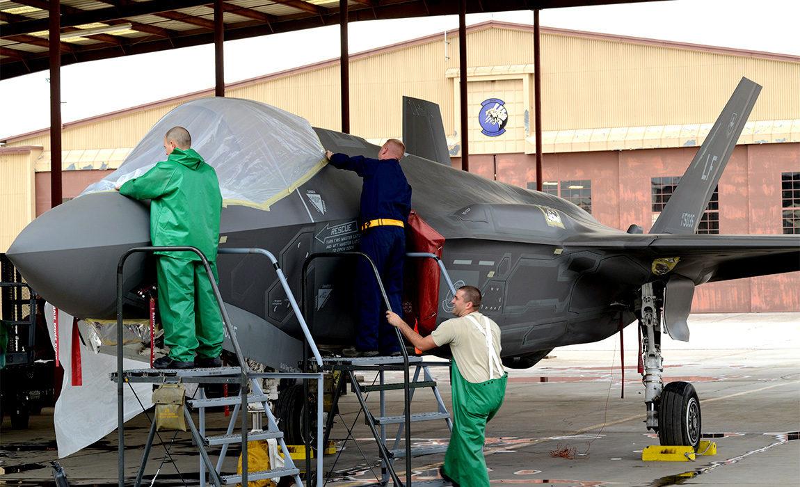 f-35-maintenance-3_1150