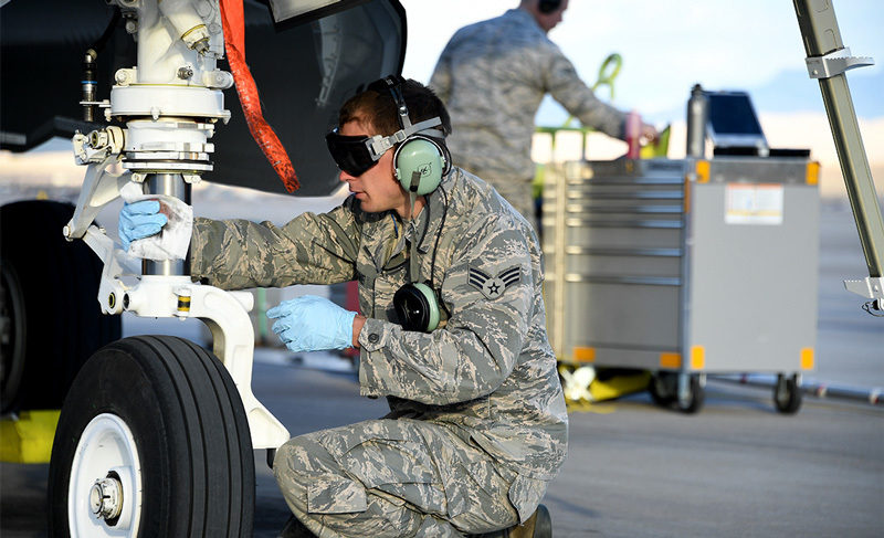 f-35-maintenance-4_800