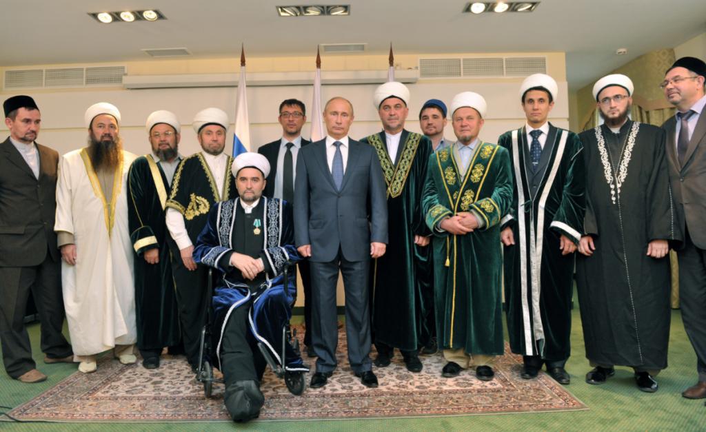 Putin-and-Russians-Muslims-1024x627