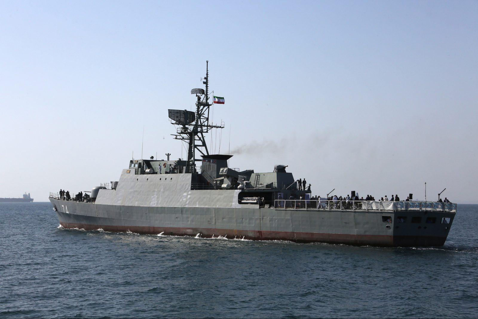 Iranian-warship-e1559722450552