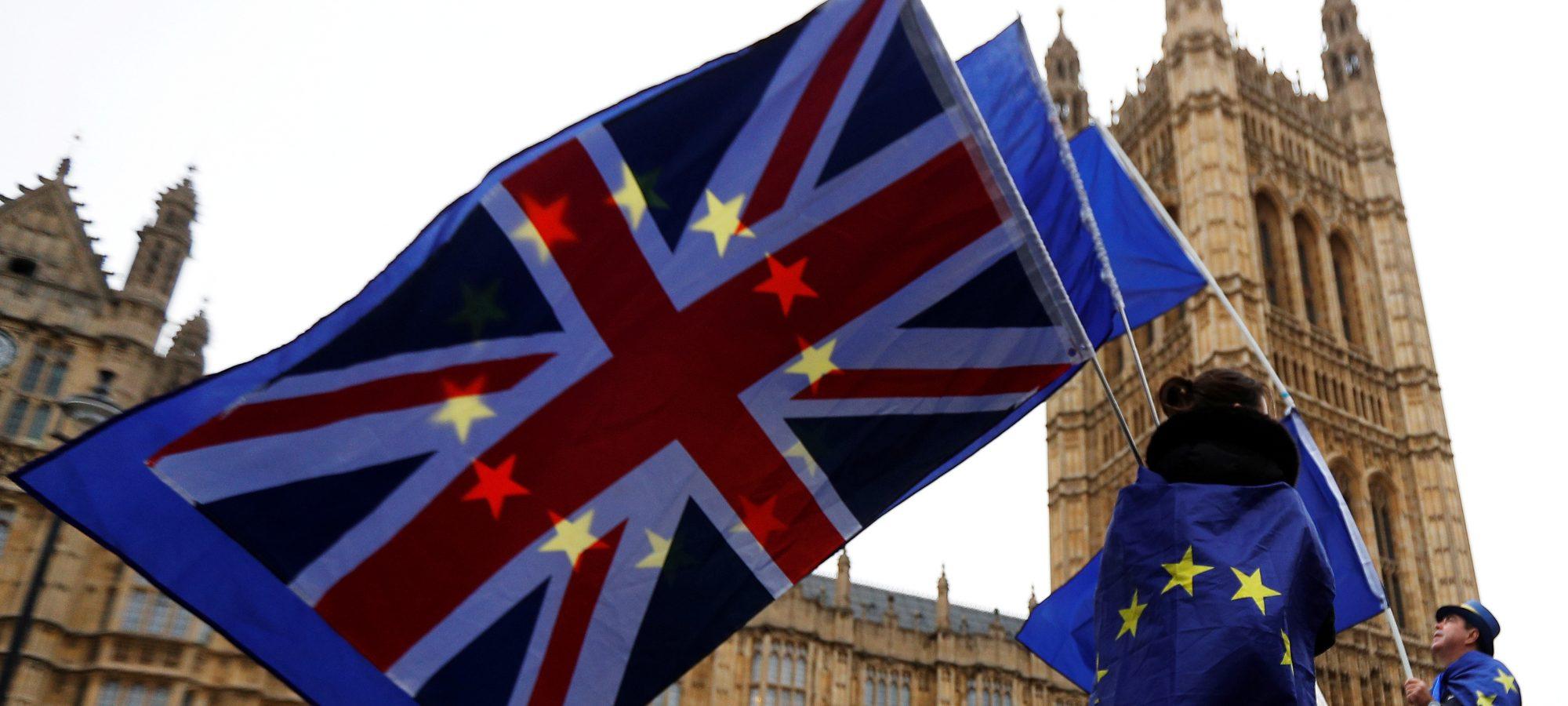 british_eu_flags001-2000x900